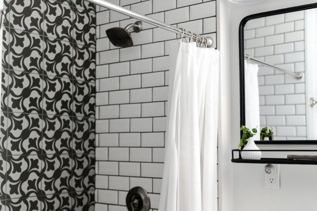 Best Way To Clean A Shower Curtain, How To Clean The Plastic Shower Curtain